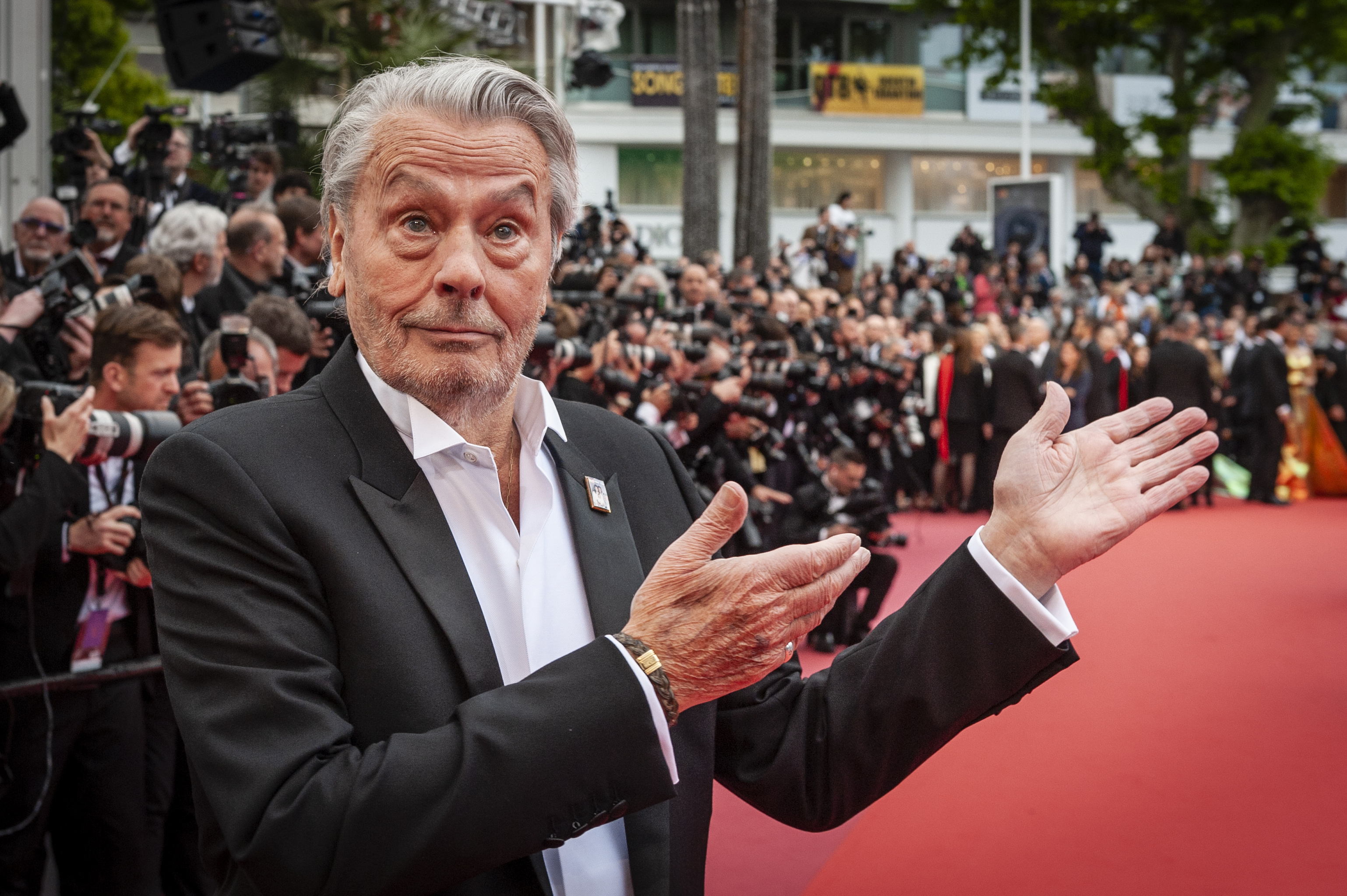 alain-delon-cannes2019-03