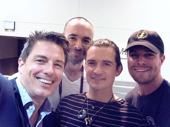 comic_con_arrow_stab_3.evad_0