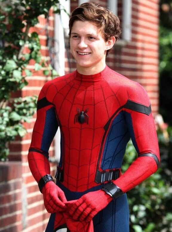 Tom Holland_spiderman01