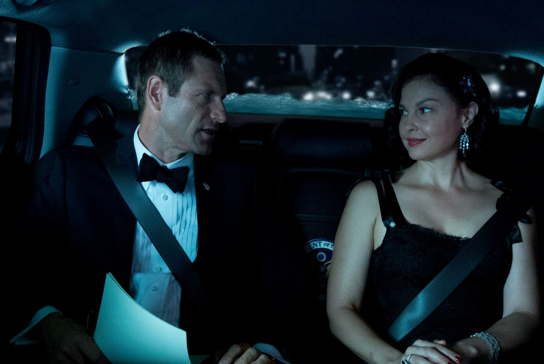 Olympus_Has_Fallen_Aaron_Eckhart_Ashley_Judd_HD_CraveOnline_Exclusive copy