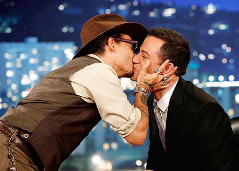 johnny-depp-jimmy-kimmel-kiss